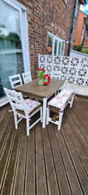 Dining table with chairs and bench INCLUDING cushions