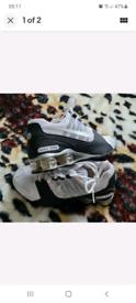 Nike shox trainers size 7