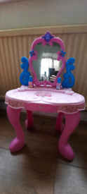 Girls role play dressing table