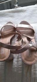 Ladies block heel shoes. Brand new size 7