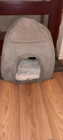 Cosy pet bed