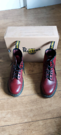 Dr Martens UK7 Cherry red