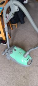 Electrolux mondo 1500 watt vacuum cleaner