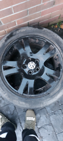 4× 19 inch alloy wheels with tyres