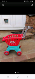 Shopping trolley toy