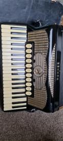 Hohner Gola accordion