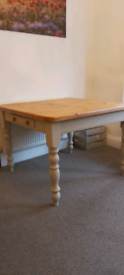 Chunky rustic square farmhouse pine dining table 2 drawers vgc