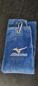 Mizuno golf towel