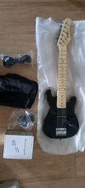 3rd Avenue 1/4 size Electric Guitar Brand New w/accessories