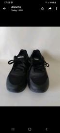 SOLD SOLD Mens Black Reebok Trainer size UK 8