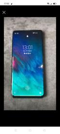 Samsung S10 unlocked 250gb unlocked crack on screen don't affect use
