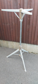 Hangaway make clothes stand/airer