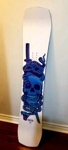 Barely used Snowboard 145 capita all mountain/terrain