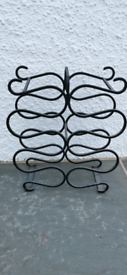10 bottle metal wine rack