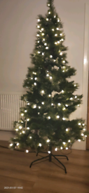 Prelit frosted tree 6ft