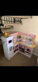 Kidkraft kitchen with loads of extras