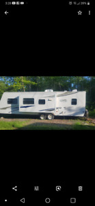 2007 Trail Cruiser 30qbss with slideout and bunks