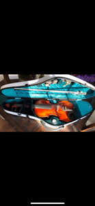 Eastman 305 Violin & Cistom case. New!