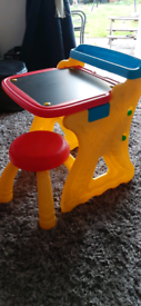 Crayola art desk/easel