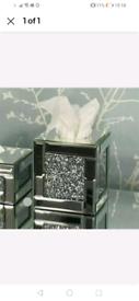 Crushed mirrored tissue holder box