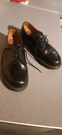 Dr Martens Air wair shoes - black leather in excellent condition