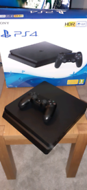 PS4 console (4 moths old)