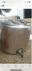 300 GA Round Stainless Tank, Creamery Package, Only $2275