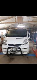 Breaking vaulxhall vivaro Renault traffic parts breaker