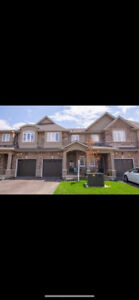 New 3 Bedroom Townhouse for Rent in Ancaster