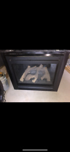 Direct rear vent natural gas fireplace