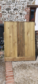 Feather edge fence panel brand new