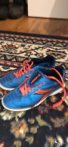 Indoor soccer shoes size 4