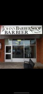 Barber Barbier (ere) a demande. Très bon revenu$$ Busy Shop.
