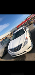 2013 hyundai sonata GL perfect condition !
