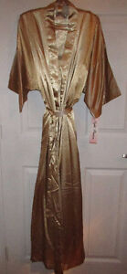 GOLD Robe, Long Gown & Hanger Gift Set - NEW Gatineau Ottawa / Gatineau Area image 1