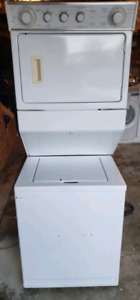 Whirlpool laundry centre (stacked washer & Dryer)