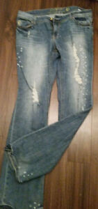 TRENDY 'FLYING M JEANS'FADED/RIPPED STYLE JEANS IN NEW CONDITION