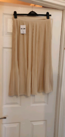 NEW Forever 21, knee-length pleated skirt, Size M, Size 10/12