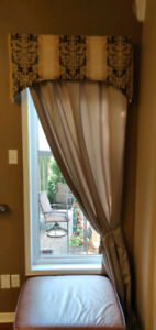 Lined curtain and valance