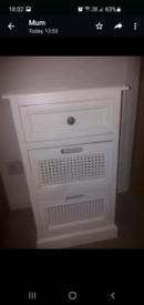 Bedside lockers