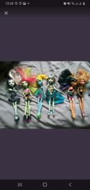 8 monster high dolls