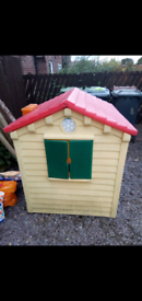 Little takes play house