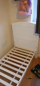 Toddler bed
