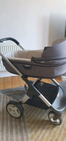 Stokke Travel System with isofix base and car seat