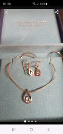 Silver topaze necklace and earrings set