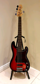 Squier by Fender Precision 5 string Bass - Standard Series