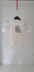 2 piece set Babys clothing/outfit newborn- Bodysuit - NEW