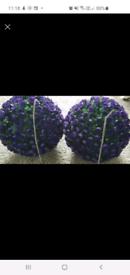 """2 Topiary Balls & 2 12"""" Brackets Brand New."""