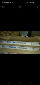 5 Philips fluorescent tube bulbs