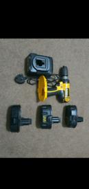 DeWALT DC725 hammer drill 3 batterys + charger
